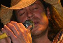CK - A very distinctive sound / You gotta love his voice