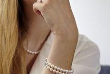 。Marine / En hommage à la féminité et la gourmandise qu'incarnent les perles d'eau douce, Guilde des Orfèvres vous fait découvrir la collection Marine.