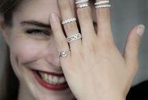 。Étincelle / La collection Étincelle, des bijoux de diamant sophistiqués,  élégants et délicats, qui symboliseront votre amour éternel.