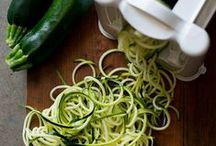 Z U C C H I N I * N O O D L E S / What are Zoodles? Healthy zucchini noodles or squash noodles that's low carb and delicious. You won't miss the pasta.