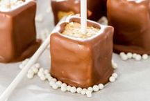 [eat] Cake Pops / Cute and easy to carry! Try one of these fun recipes and make cake pops for your next bake sale or sweet tooth craving! Featuring: confetti cake pops, butterscotch cake pops, thin mint Oreo pops, Father's Day cake pops, edible pom pom cake pops, pumpkin spice cake pops, Angry Birds cake pops, piña colada cake pops, pretty champagne cake pops, maple bacon cake pops, baby tooth cake pops