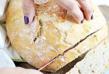 [eat] Bread / Let's just say we've never met a carb we didn't love ;) Featuring: flatbread, pretzel recipes, zucchini bread, banana bread, dinner roll recipes, whole wheat bread, cinnamon swirl quick bread, bread sticks, pull apart bread recipe, simple and quick dinner rolls, cornbread, homemade flour tortillas, crescent rolls, Irish soda bread
