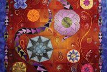 Hoopsisters / Embroidery designs in the Hoop
