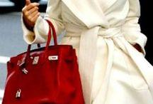 RED bags : : LAS AZAFATAS® / Ésta es una colección exclusiva de las fotos que nos inspiran en la moda de bolsos y carteras de color ROJO : : LOOKBOOK