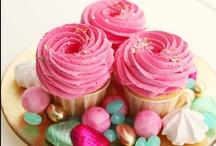 Cupcakes / by Jessica Guerrero