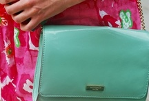 bags, purses, & clutches / by Maddie Theisen