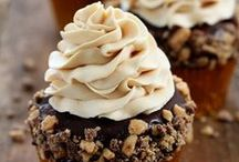 Cupcakery / by Dawn Heinen