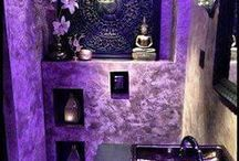 Purple Bathrooms / Bold and modern, purple is a unique choice for bathrooms.