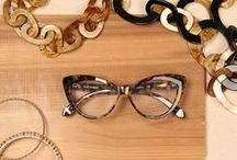 Tortoise Shell / Smooth caramel tones and rich browns mixed with elements of gold