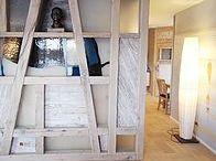 Interiors Einrichtung mit Altholz / Alte Bootsstege wurden für diese Einrichtungen verwendet. Einmalige Maserung der langlebigen Eiche machen jedes Stück unverwechselbar!