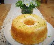 BOLOS / Receitas de bolos diversos para festas de aniversário e café da tarde.