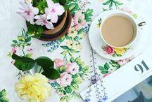 ✿❀ Vintage Florals ✿❀ / Vintage floral, Floral fabrics, pastel hues, floral, floral print, floral design, floral patterns, Sanderson, vintage floral, pretty pictures, pretty florals, Cath Kidston, floral wall paper, vintage markets, 1940's floral, vintage tea cups, home décor, floral décor, vintage florals