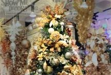 Christmas Trees- Precious Metals Theme by Show Me Decorating / Christmas Tree Ideas-Gold, silver, bronze, copper, pewter and platinum melt into a noble metallic mix fit for a King. Add sparkle to you tree with luminous shades of metallic finishes.The shimmering gold and silver florals, brushed matte pewter balls melded with antique copper and rustic bronze finials offers an added dimension of elegance. Get the how-to Show Me Christmas Decorating app for iPhone & iPad here for all your Christmas decorating!