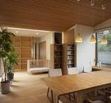 南林間の家 リノベーション / 神奈川県大和市でおこなった一軒家のリノベーション工事です。 孤立したキッチンと日の入らない居間を明るく開放的な空間にしました。 天井は小幅板を使用しています。