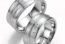 Trauringe handwerklich / Eheringe mit handwerklichem aussehen. Besondere Trauringe aus Gold