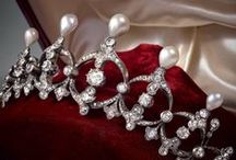 Crowns & Tiaras / Antique and Vintage Fine Jewelry