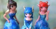 Figurines on a horoscope