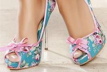 Style: Heels & Wedges / by Julie Holden
