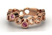 Lovely Rose Gold / A collection of elegant red gold jewelry and rose gold style.