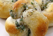 Biscuits/Breads/Buns/Rolls / Some breads, knots and pretzels.