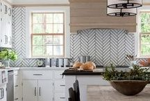 Kitchen Goals / This board highlights kitchens that we would just love to cook in! Interior decorating can be overwhelming, so we can all use a little inspiration. Cozy, modern, rustic, or luxurious, there is an inspiring kitchen here for everyone. Get cooking!