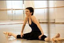 Body love / Ballet fitness, alongamento, dança, yoga. / by Michelle Góes