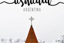 Ushuaia | Argentina / Ushuaia é a cidade mais ao sul do planeta. Depois daqui, o próximo pedaço de terra é a Antártida. Todos os anos, cerca de três milhões de turistas visitam a capital da Terra do Fogo. Grande parte deles vem para cumprir a meta de chegar ao Fim do Mundo.  Só que para ter sucesso na viagem para Ushuaia, eu aprendi que é preciso se planejar bem, escolhendo a época certa, pois, em cada estação do ano, a cidade oferecerá diferentes experiências.