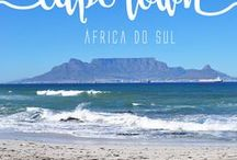 Cape Town | África do Sul / Cidade queridinha dos viajantes que visitam a África do Sul, eu tenho certeza de que você não vai querer perder nada de sua viagem para Cape Town. Com opções de atividades para todo tipo de pessoa, aqui, você pode ter dias tranquilos caminhando pelo Waterfront e fazendo passeios culturais, mas, também, pode se jogar em atividades mais radicais.