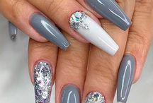 Nailart  / Awesome and beautiful nails. Mostly nudes, black and lots of glitter.