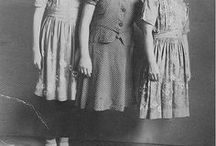 Sisters Karamazov / Sisters Guenet: Lucette, Blanche and Claire, split in 1931 in Paris. Looking for each other.