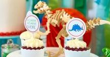 Dinoroar Dinosaur Party Ideas / Dinoroar party ideas -- Dinosaur cakes, decorations, party foods and favors. Shop the Bee Box Parties Dinoroar Collection at https://beeboxparties.com.au/products/dinoroar