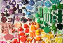 Button, button, who's got the button? / Vintage button collecting, and modern crafts.