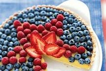Red White & Blue / get ready for Memorial Day, the 4th of July and Labor Day! We have all kinds of red, white and blue inspiration from fruits and veg to help you celebrate all the summer holidays! Many of these are also great projects to do with kids!