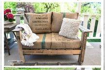 Paletten Möbel / Möbel und brauchbare Dinge hergestellt aus Holz-Paletten.