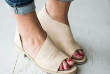 Top Shoes to Buy / Must-have shoes for all the shoelovers.