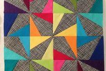Quilts / Quilts, patchwork, mantas, inspirações / by Danni Ribeiro