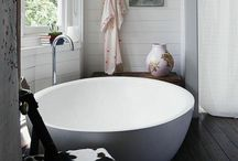 home : bathrooms / by Michelle Acuña