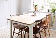 home : dining rooms / by Michelle Acuña
