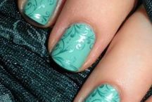 Manicures/Pedicures / by Christina Lampe