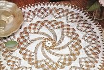 Крючком: скатерти и салфетки / Crocheted tablecloths and napkins