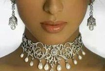 Beautiful  jewelry / by Jane Ann Britt