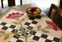 Quilts-Runners/Toppers/Placemats/Minis / by Kim Grace