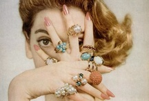 Statement Pieces / Stand-out jewels and accessories