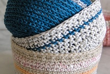 Creaux Shea / I want to learn how to crochet, so here are some tutes and stuff....