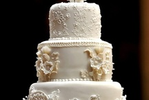 """Cakes: Torte Bianche / Beautiful all-white cake creations!  Please note: there are so many gorgeous white cakes that several more (different) all-white cakes are to be found on my """"Torte Nuziale (Wedding Cakes)"""" Board and Ivory Cakes can be found on my """"Incredible Ivory"""" Board. / by Lauren Schultz"""
