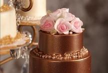 Cakes: Gâteaux Brun / by Lauren Schultz