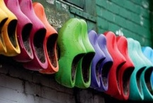 """Tulips, mills and clogs / """"Let's talk about flowers, wooden shoes and rotating blades"""""""