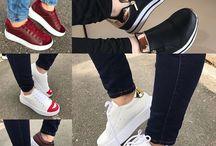 Zapatos  / By: Daniela Castilla  PEDIDOS AL 3218315559 Cositas Divinas!!  NUEVA COLECCIÓN ENVIO SEGURO  (COLOMBIA) #DanielaCastillaAlteza #nuevacoleccion #shoes #shoes #shoegasm #shoelover #shoeaddict #instashoes #instastyle #new #newshoes #outfitoftheday #outfit #wedgesshoes #look #fashion #modafeminina #estilo #styleblogger #elegante #pinky #amomiszapatos Somos una tienda minorista ✨ vendemos al detal, nos amarás porque ofrecemos un producto de calidad y que te hará ver más hermosa. Las tallas las manejamos por pedidos, si están disponibles las puedes pedir, cancelas el valor del producto y te llegan en máximo 7 días hábiles. ENVIO SEGURO  PAGO DEL ENVIO CONTRAENTREGA