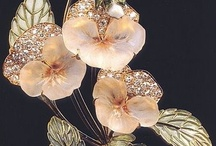 Brooches, Pins and Clips / by Candi Barnett
