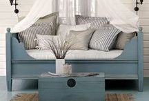 OUTDOOR DECOR IDEAS / by Kelly Portnoy